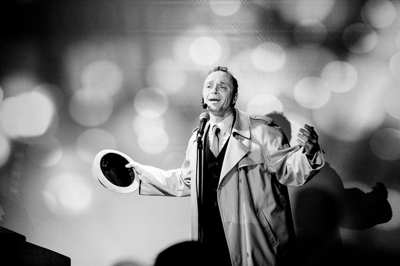 photo en noir et blanc d'un spectacle à grenoble